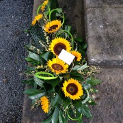 Single ended Spray, Modern Select: Sunflowers