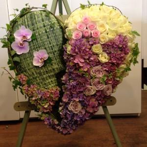 """Heart 21"""" Bespoke Funeral Tribute"""